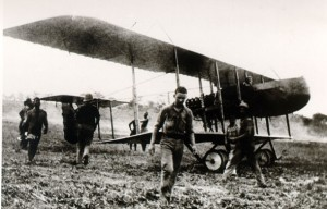 "Farman F.40 – ""pusher"" reconnaissance aircraft (1915)"